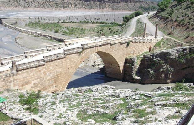 El puente de Cendere