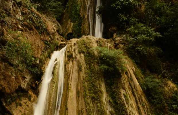 Cascada Neer Garh