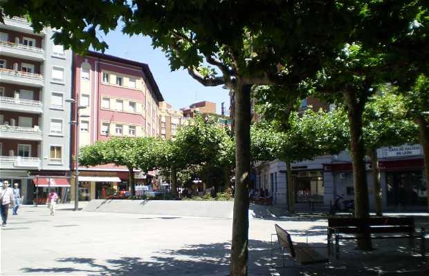 Las Cortes Leonesas square