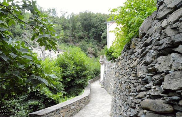 Paseo Laderas del Rio Castello