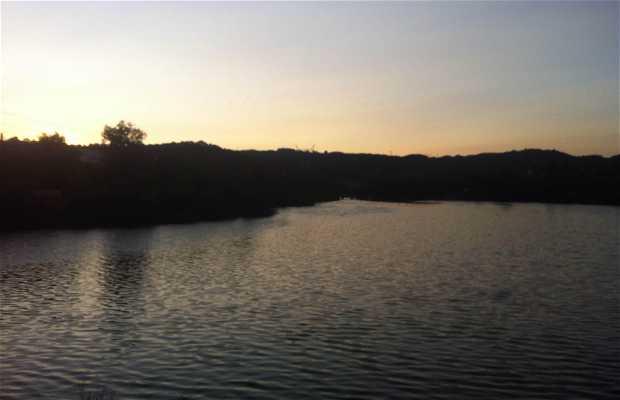 Lago De Molino De La Hoz