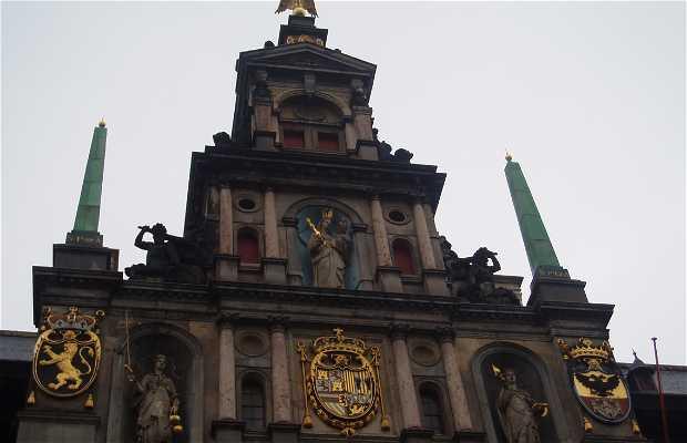 Il municipio di Anversa