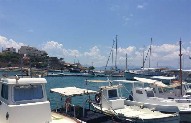 Le port de Megalochori