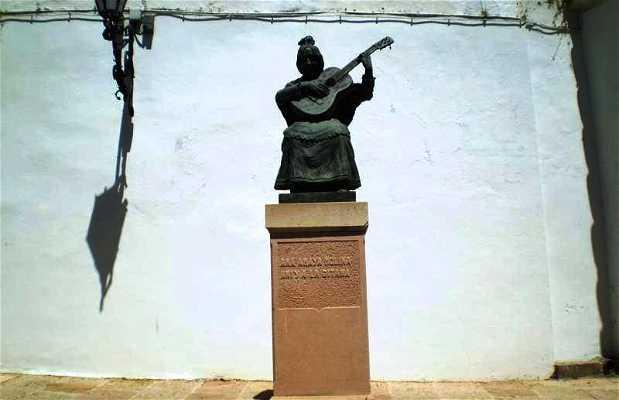Estatua de Aniya La Gitana