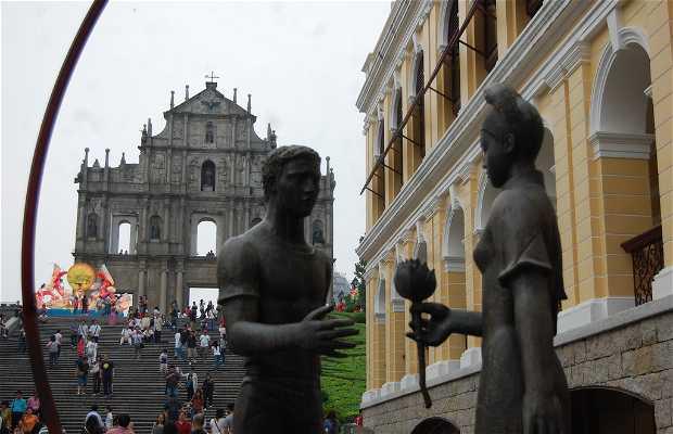Ruinas de la Catedral de San Pablo