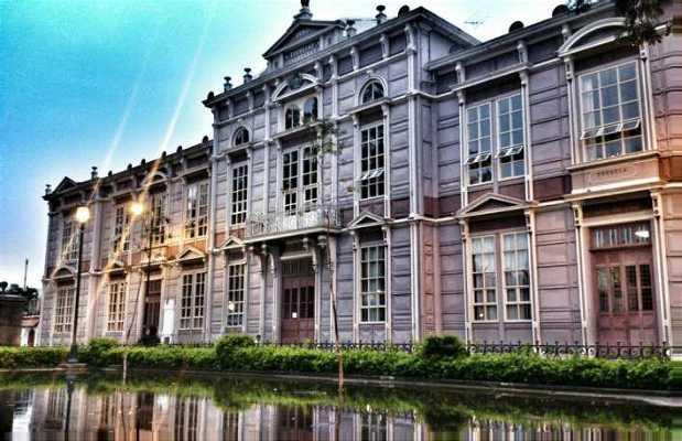 Colegio Metálico