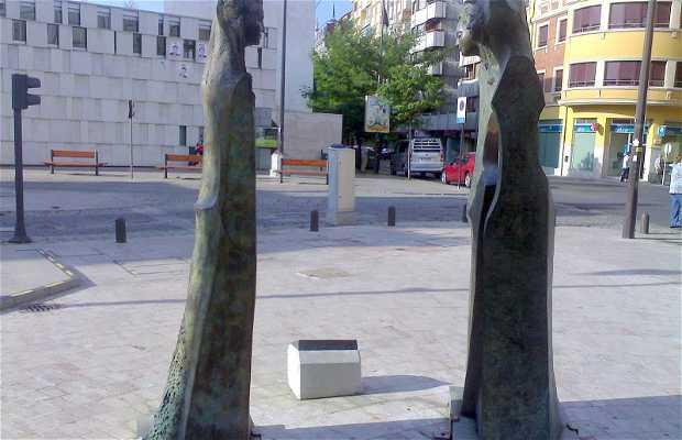 "Sculpture ""Las Tres Infantas"""