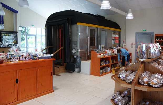Védère Café - Boutique, Wagon-Salon de thé