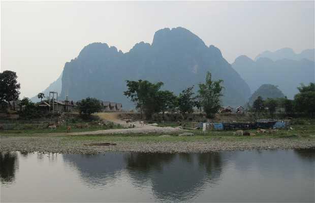 Bajando el rio Nam Xong en Kayak