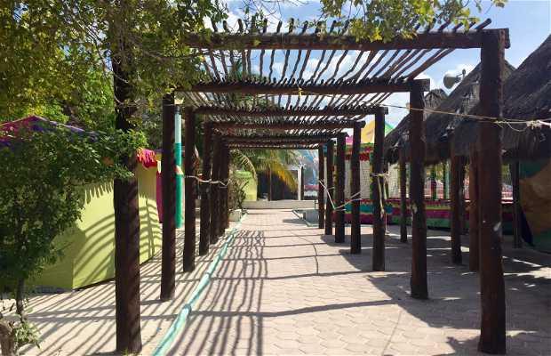 Jardín Principal - Plaza principal de Holbox
