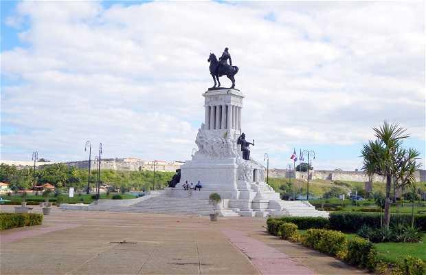 Monument to Máximo Gómez