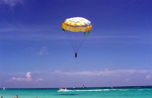 Excursión de paracaidismo acuático
