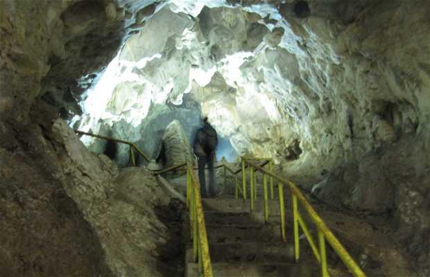 Vrelo Cave in Matka