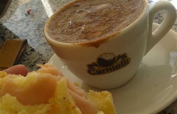 Delishop Café