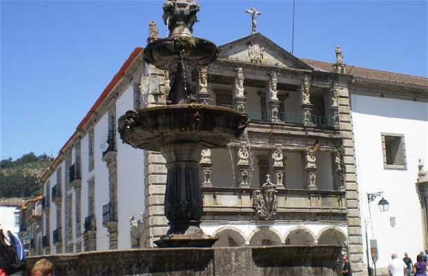 Fontana delle Piazza della Repubblica a Viana do Castelo