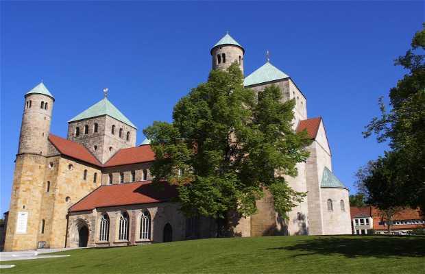 Catedral de Santa María e iglesia de San Miguel