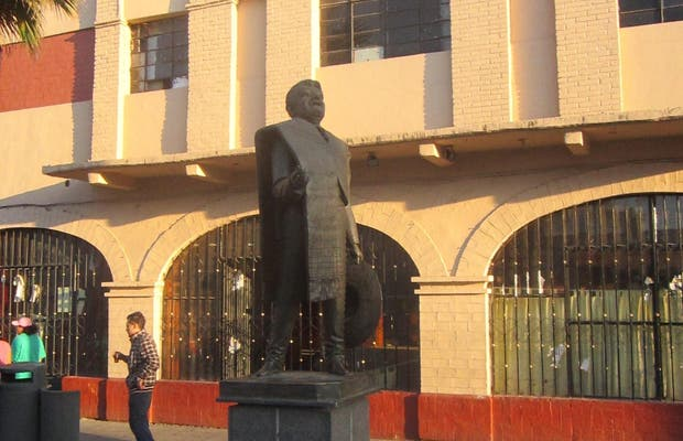 Estatua de José Alfredo Jiménez