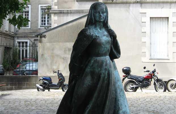 Statue d'Anne de Bretagne
