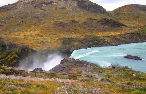 Cascada Rio Paine