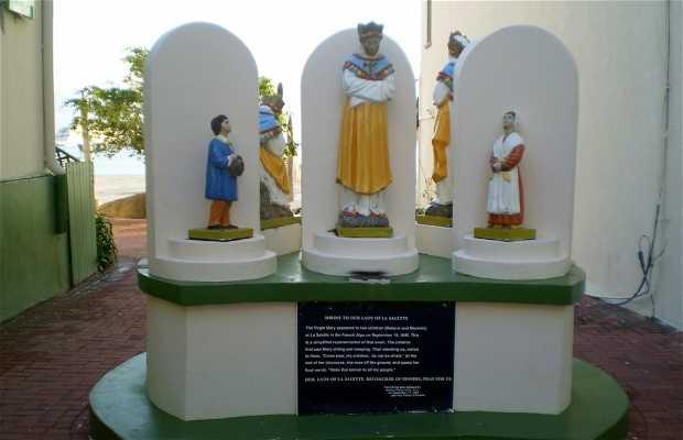 Monumento a la Virgen de La Salette