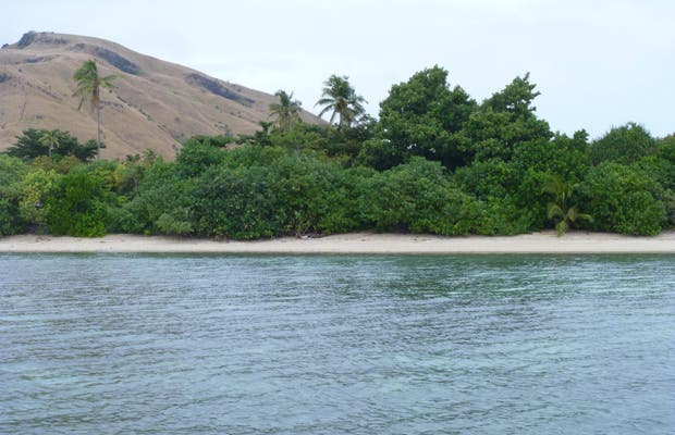 Passeio de barco para a vila de Nacula Island