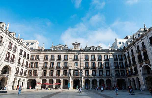 Plaza Porticada - Plaza Velarde