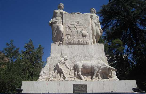 Monumento a la Hermandad Hispano Argentina