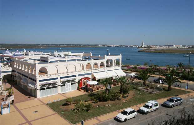 Centro Comercial Marina Isla Canela