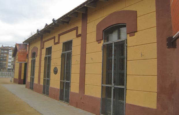 The Carrilet Station