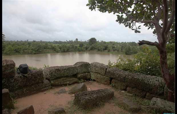 Paseo En Bicicleta Por Las Murallas De Angkor Thom