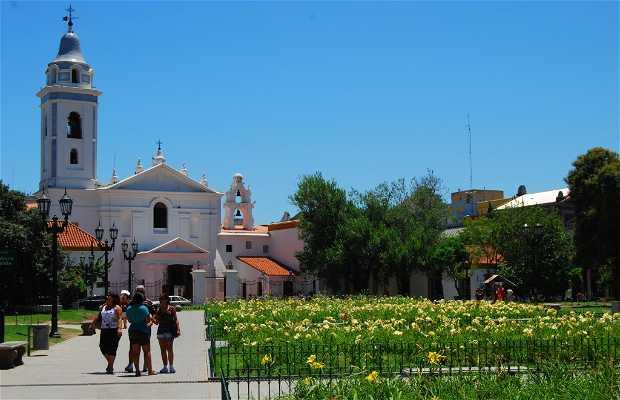 Iglesia del Pilar (barrio de La Recoleta)