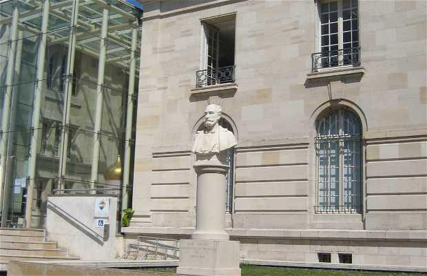 La statue de Sadi Carnot