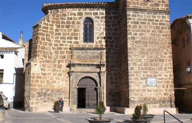 Iglesia de Letur y barrio alrededor