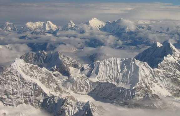 Sobrevolando los Himalayas