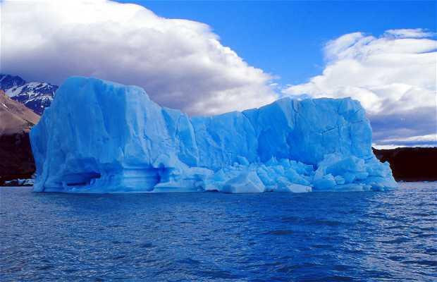 Lago y glaciar Viedma
