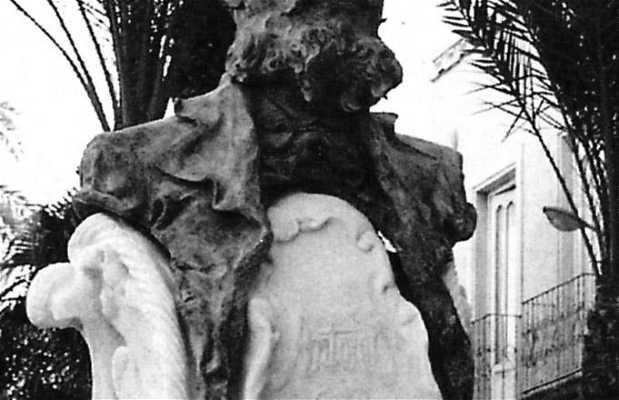 Estatua del Poeta Ciego