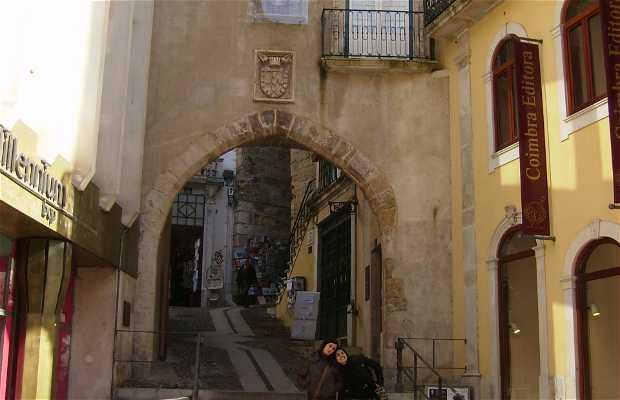 Arch of Almedina