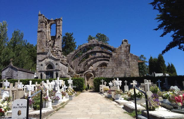 Les ruines de Santa Mariña de Dozo