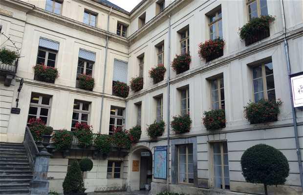 Mairie de bagn res de luchon bagn res de luchon 1 - Bagneres de luchon office de tourisme ...