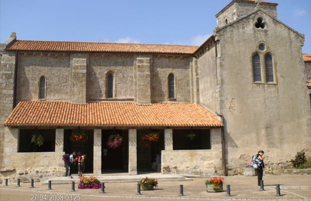 Iglesia Saint Hilaire