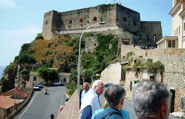 Castello Ruffo y Costa Viola