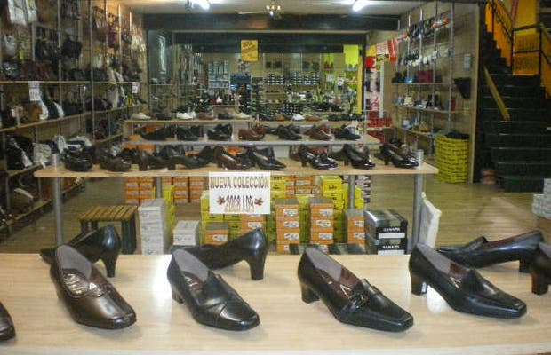 Salvador Artesano: Europe's Largest Footwear Factory and Store