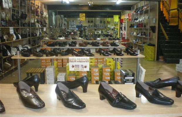 Salvador Artesano: La tienda-fábrica de calzado más grande de Europa