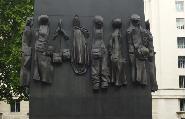 Memorial The Women of World War Two