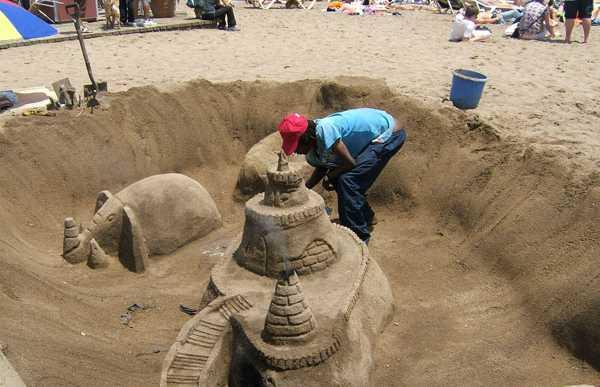 Sculptures of Sand in Barcelona