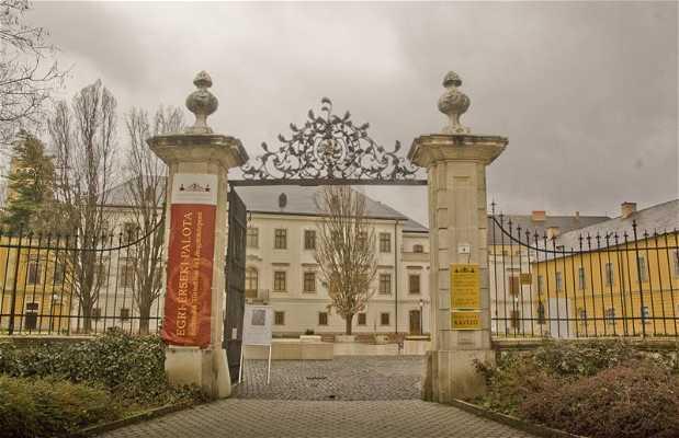 Érseki palotaegyüttes - Complejo del Palacio del Arzobispo