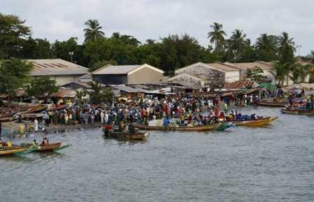 Ferry de Banjul a Barra