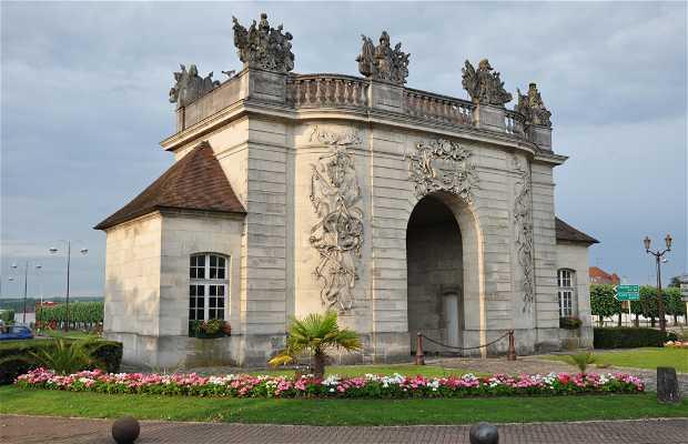 Gate of the Bridge