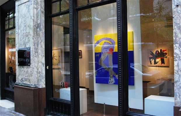 Calle Arroyo: anticuarios, diseño y galerías de arte