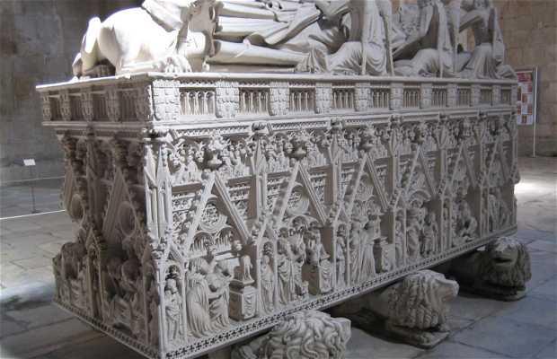 Túmulos de Dom Pedro e Dona Inês